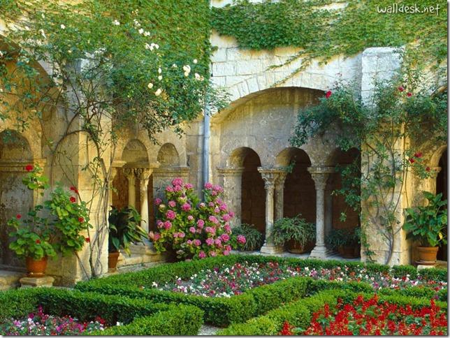 Cloister,-Saint-Paul-de-Mausole,-St.-Remy-de-Provence,-France