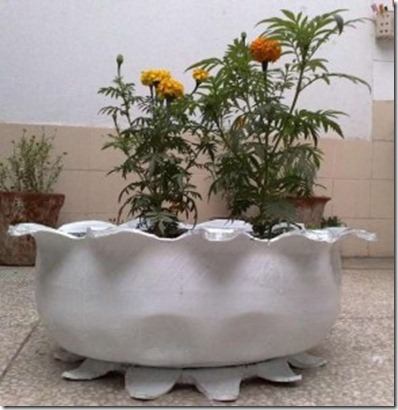 Creative-Plant-Pot-with-Car-Tires-291x300