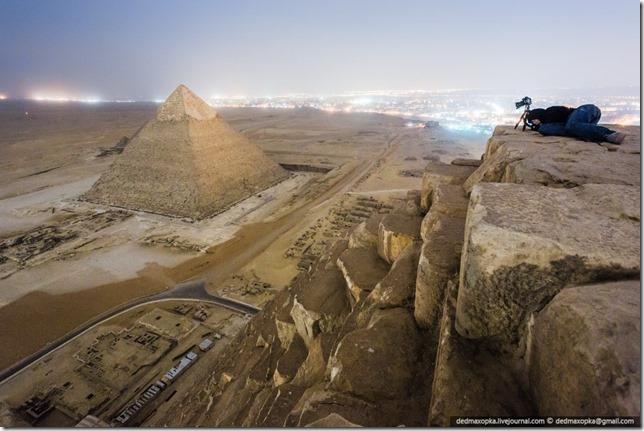 russos-piramides-egito032013b