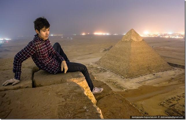 russos-piramides-egito032013e